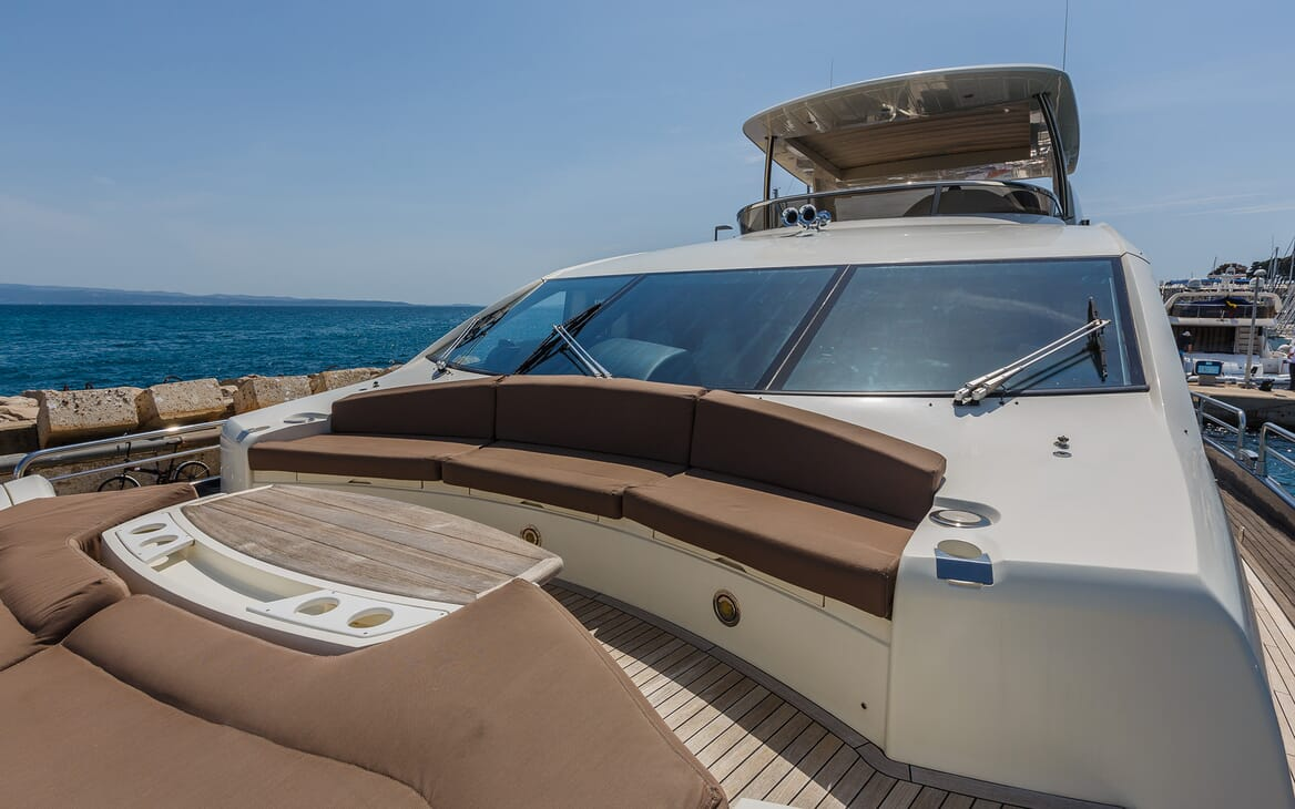 Motor Yacht The Best Way Bow Seating