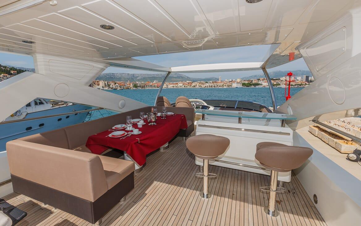 Motor Yacht The Best Way Sun Deck Dining