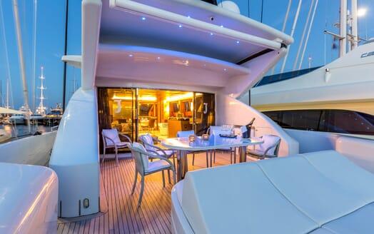 Motor Yacht JAJARO main deck