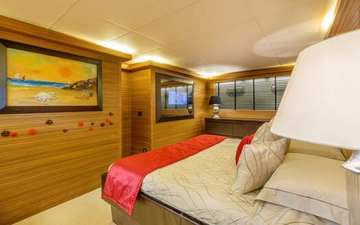 Motor Yacht JAJARO master cabin