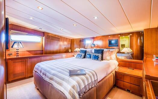 Motor Yacht LUISAMAY Master Stateroom