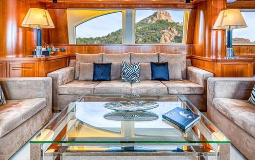 Motor Yacht LUISAMAY Main Saloon Sofas
