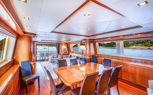 Motor Yacht LUISAMAY Dining Table