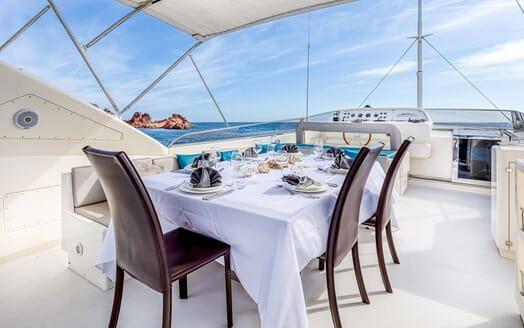 Motor Yacht LUISAMAY Sun Deck Al Fresco Dining