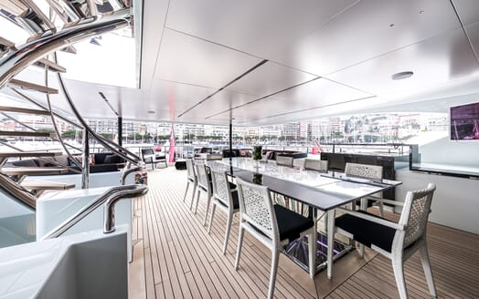 Motor Yacht Ocean Paradise dining area