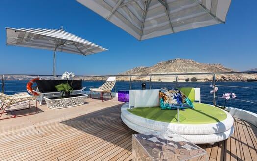 Motor Yacht Ocean Paradise sun deck
