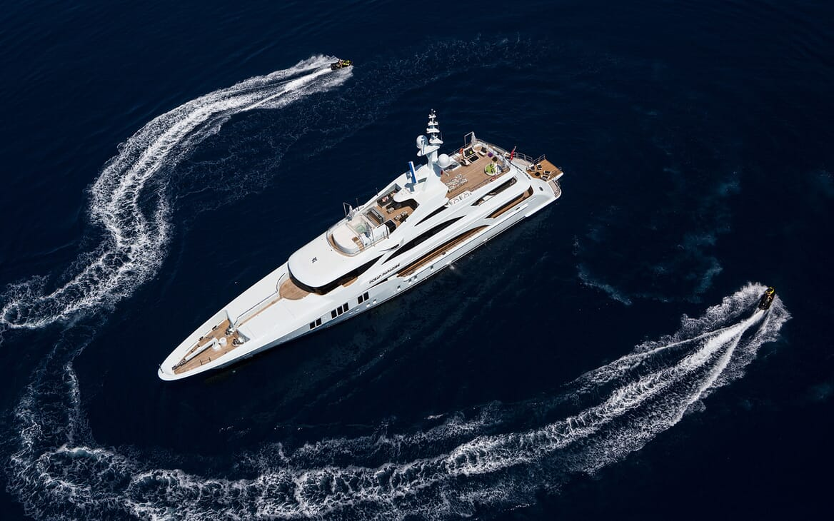 Motor Yacht Ocean Paradise anchored