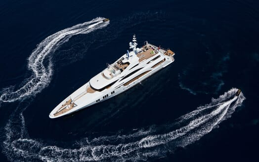 Motor Yacht Ocean Paradise anchored