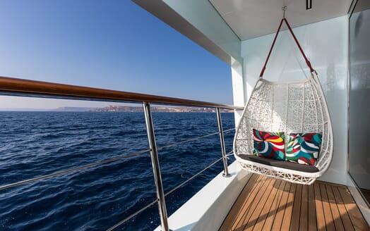 Motor Yacht Ocean Paradise exterior