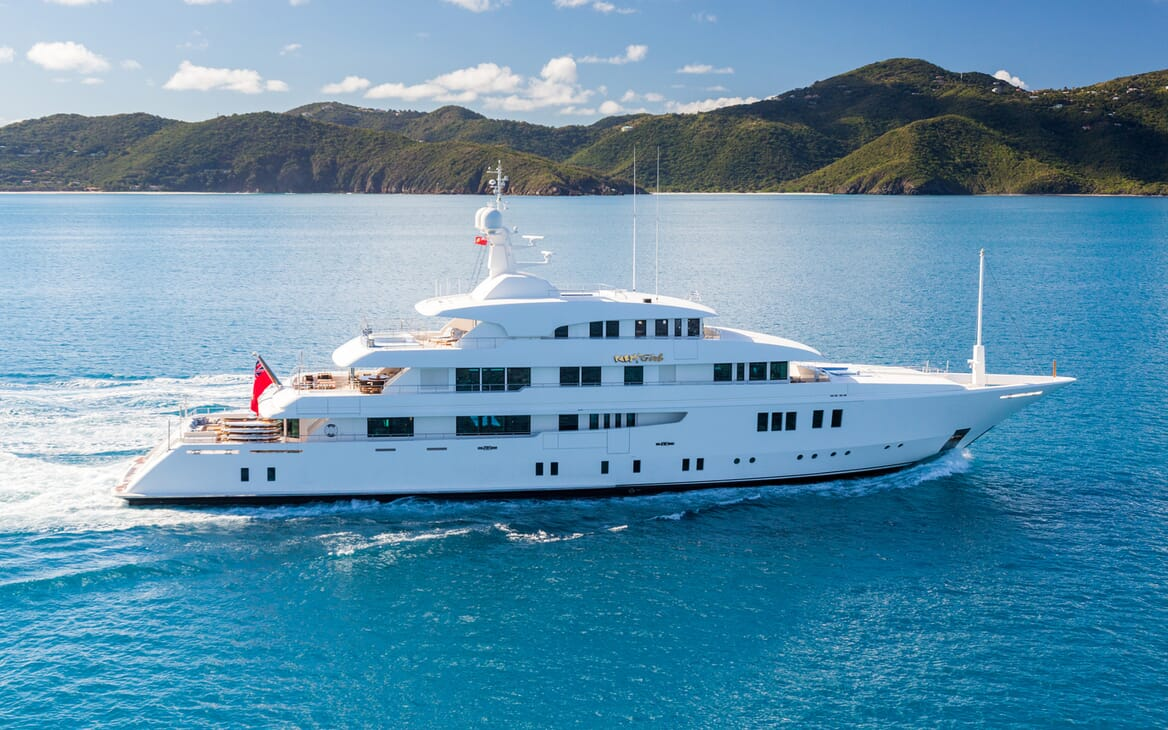 Motor Yacht Party Girl cruising