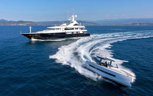 Motor Yacht HELIOS Tender
