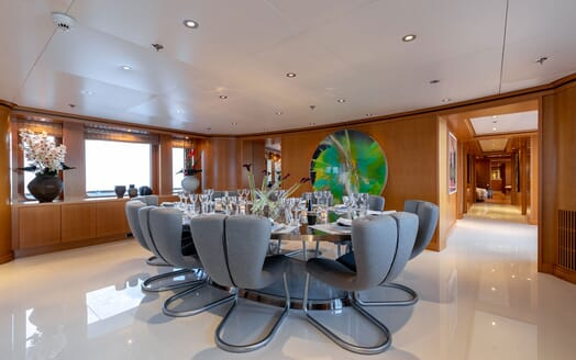 Motor Yacht HELIOS Dining Table