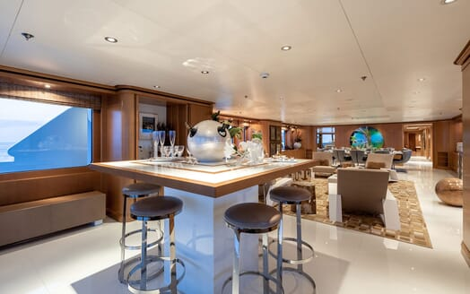 Motor Yacht HELIOS Main Saloon