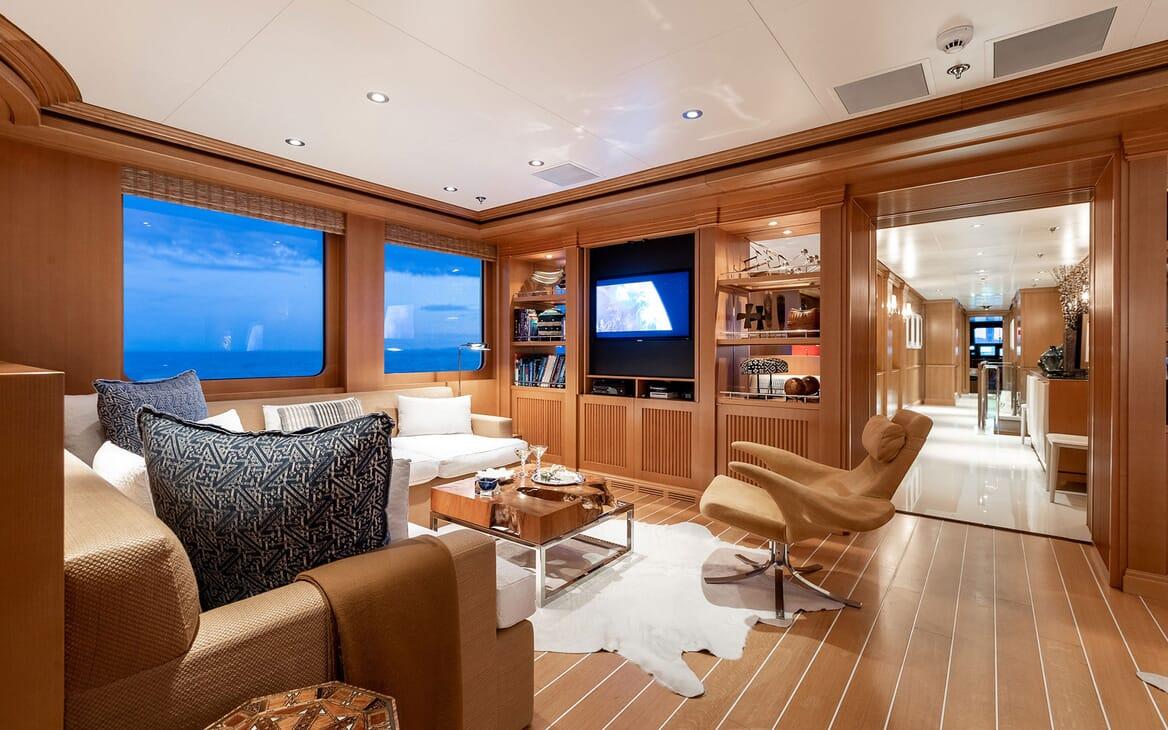 Motor Yacht HELIOS Small Lounge