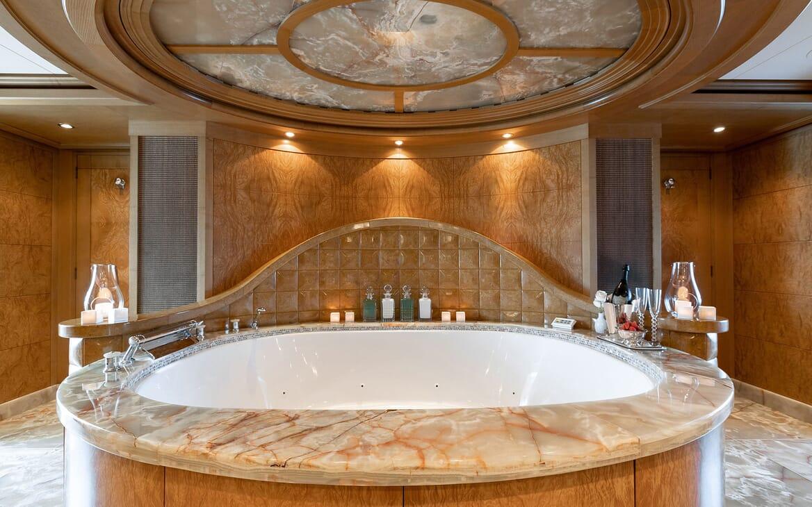 Motor Yacht HELIOS Master Bath