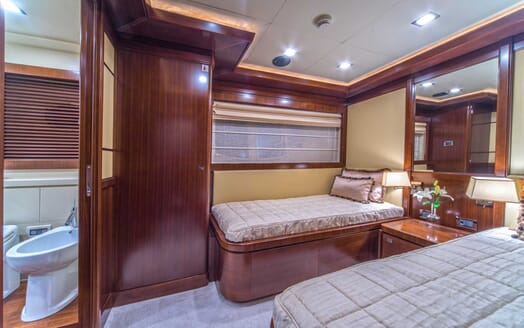 Motor Yacht Seventh Sense twin cabin