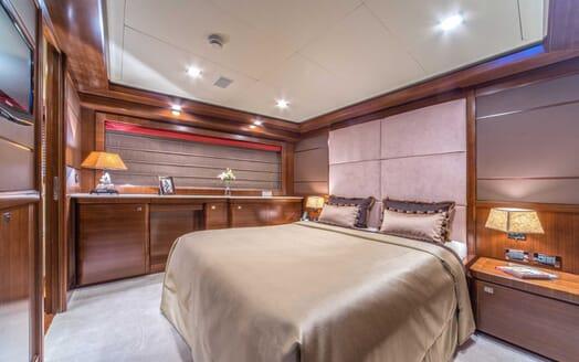 Motor Yacht Seventh Sense master cabin