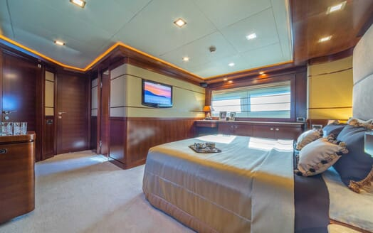 Motor Yacht Seventh Sense double cabin