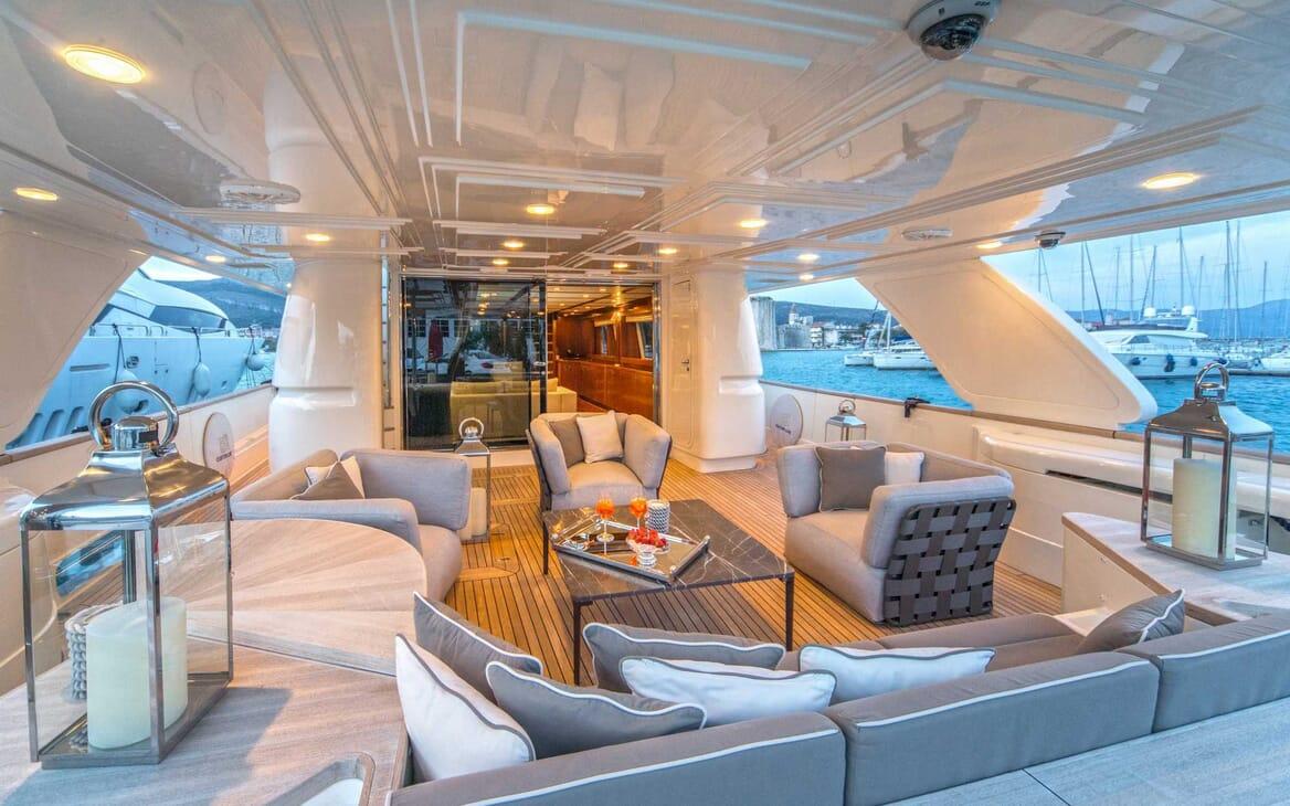 Motor Yacht Seventh Sense main deck