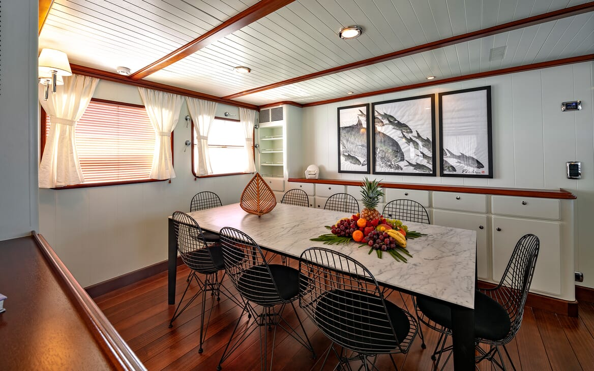 Motor Yacht Persuader Dining Table