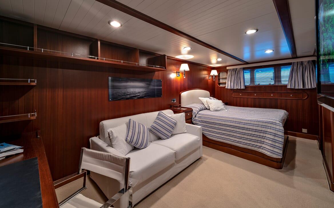Motor Yacht Persuader Master Stateroom 2