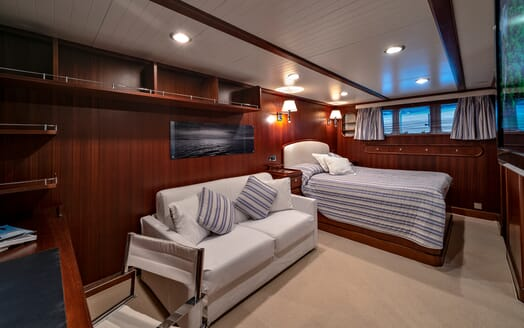 Motor Yacht Persuader Master Stateroom 2
