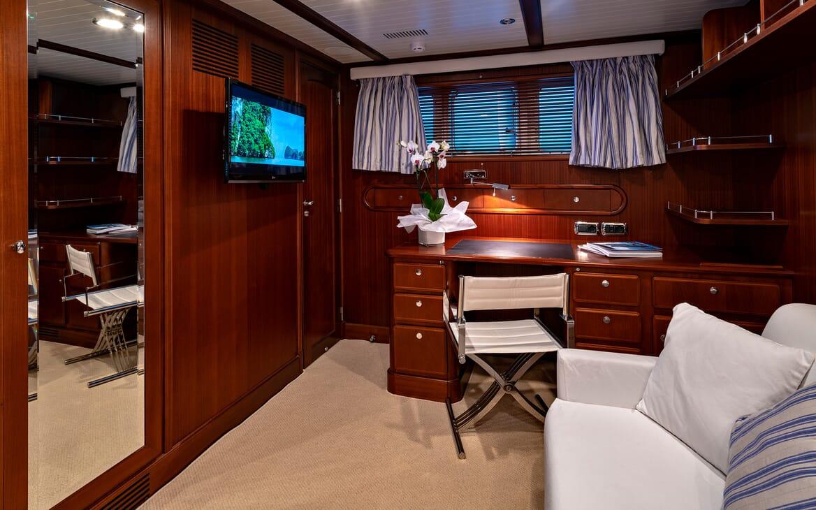 Motor Yacht Persuader Desk