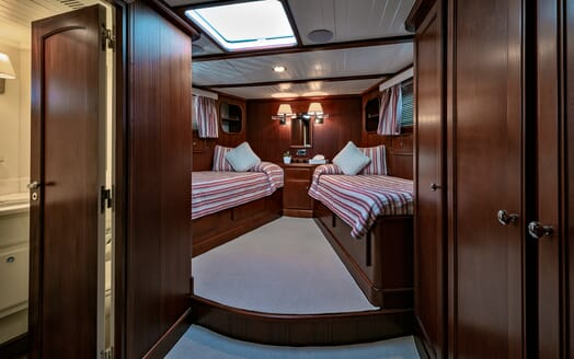 Motor Yacht Persuader Guest Twin Stateroom