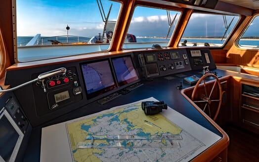 Motor Yacht Persuader Weelshouse