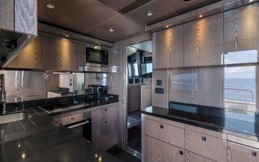 Motor Yacht Mirka Stateroom 3