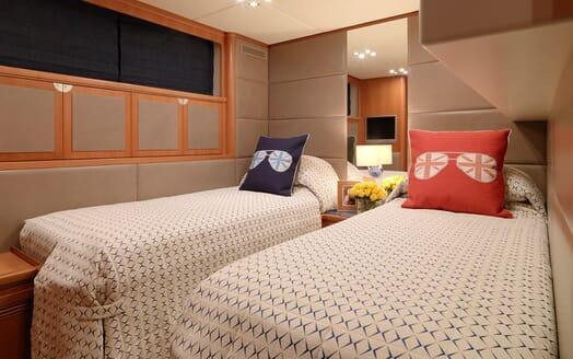 Motor Yacht Cheeky Tiger twin cabin