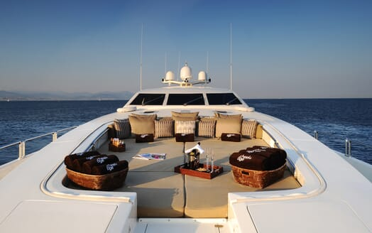 Motor Yacht Cheeky Tiger foredeck