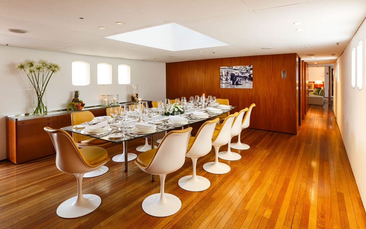Motor Yacht DIONEA Dining Table
