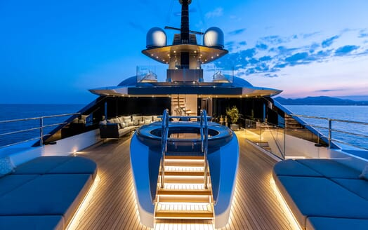 Motor Yacht SOLO Upper Deck Jacuzzi