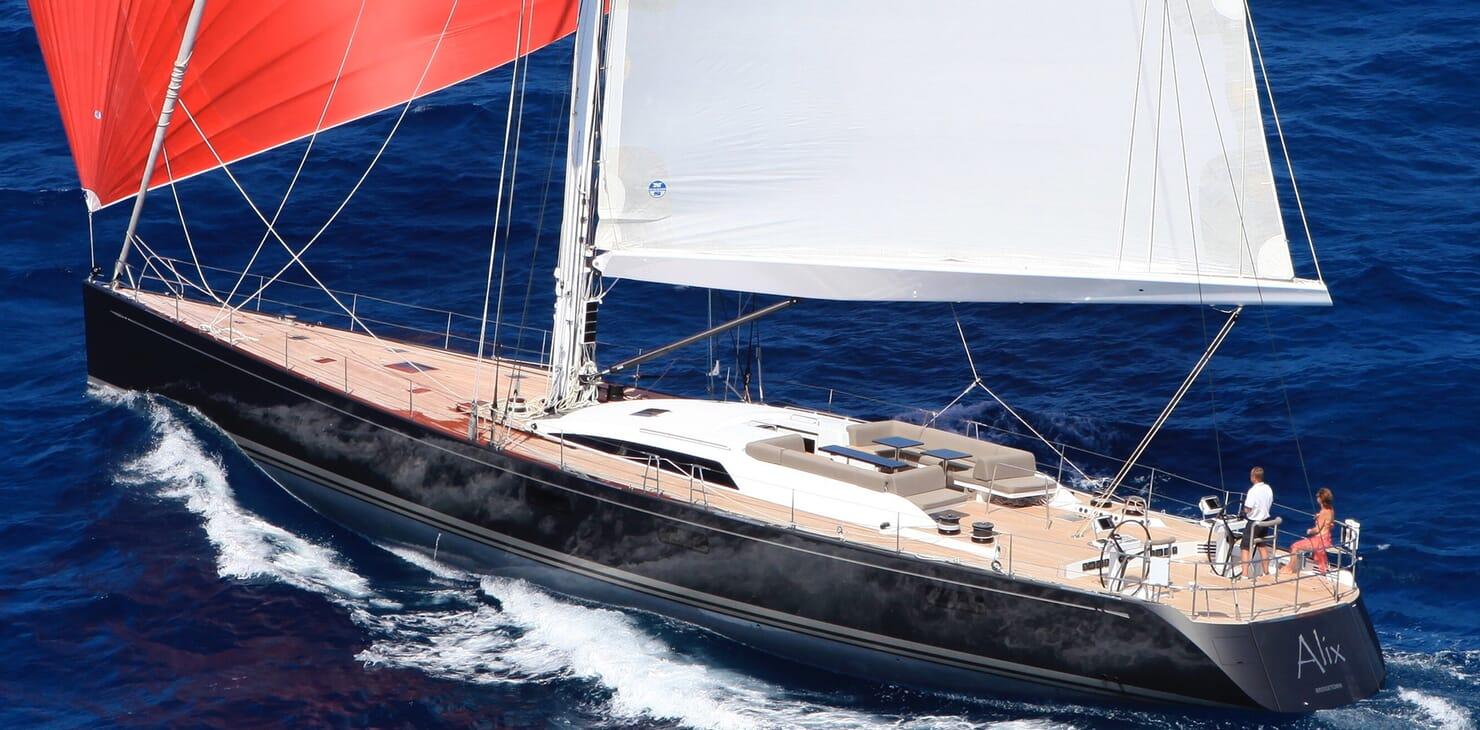 Sailing Yacht Alix Running