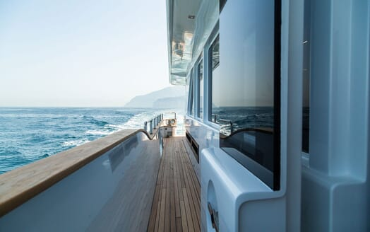 Motor Yacht DON MICHELE Side Walkway