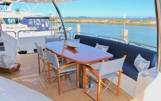 Motor Yacht Emrys outdoor seating
