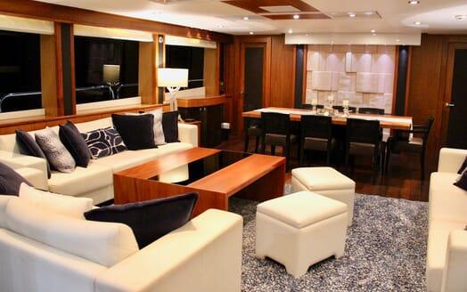 Motor Yacht Emrys living area