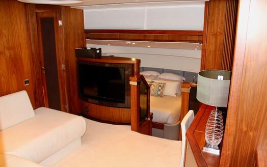 Motor Yacht Emrys stateroom