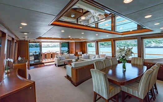 Motor Yacht Masteka 2 dining area