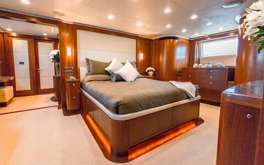 Motor Yacht Masteka 2 master cabin