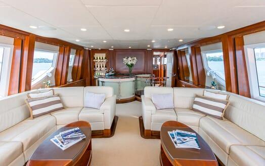 Motor Yacht Masteka 2 salon