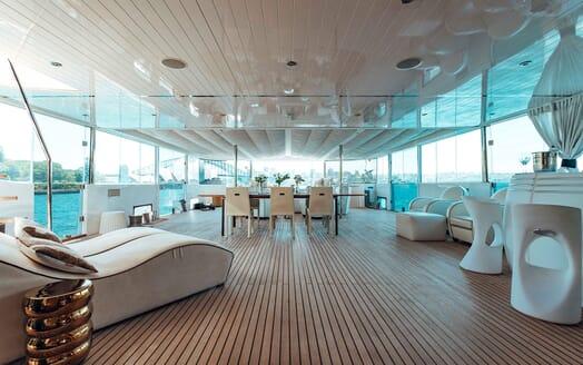 Motor Yacht Tango deck