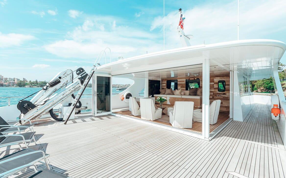 Motor Yacht Tango sun deck