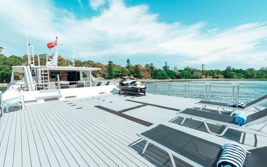 Motor Yacht Tango fly deck
