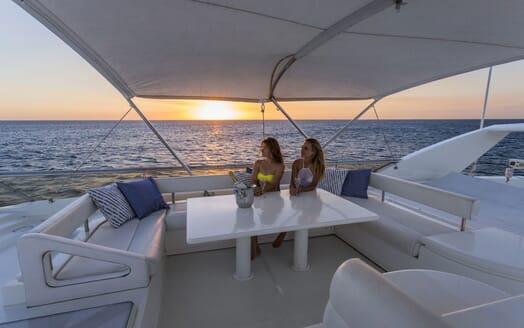 Motor Yacht Iroue outdoor seating area