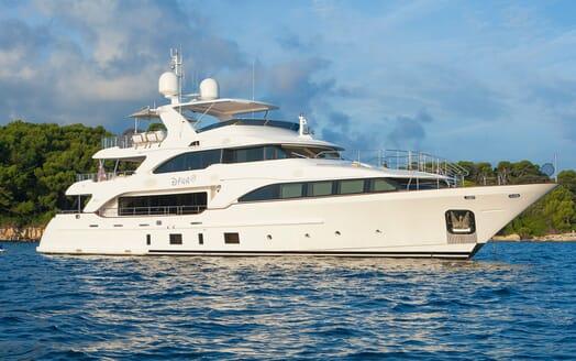Motor Yacht Dynar