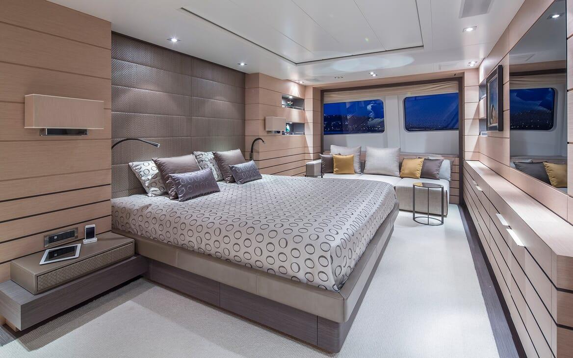 Motor Yacht Dynar master cabin
