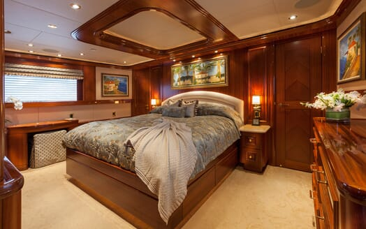 Motor Yacht Milk Money Master Stateroom