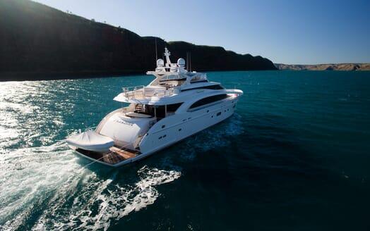 Motor Yacht Paradise underway